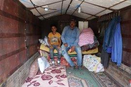 Depremzede Bozkurtlular çadırda ve barınaklarda yaşamayı sürdürüyor