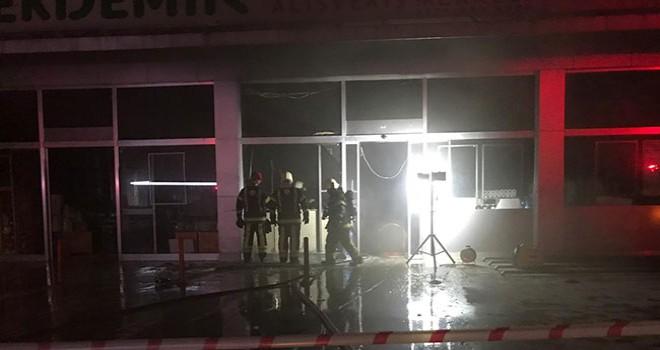 Servergazi'de markette çıkan yangın hasara yol açtı