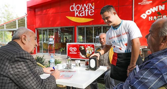 Down Kafe; mutluluğun adresi