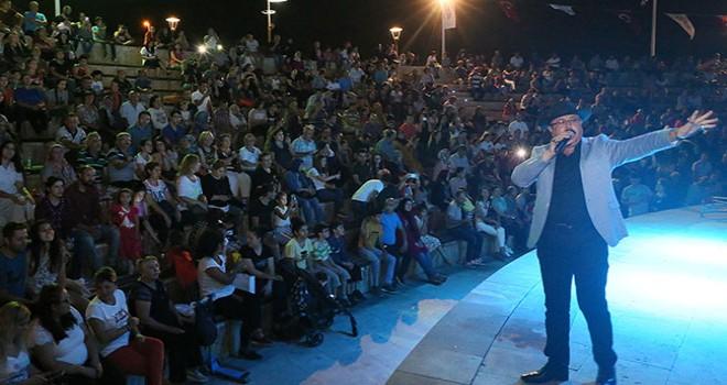 Yaz Konserleri'ne Barış Manço şarkıları damga vurdu