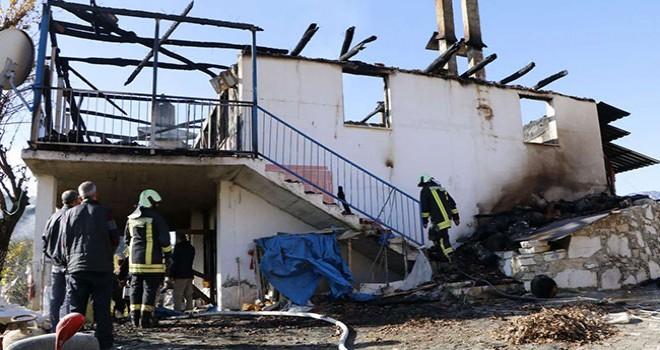 Honaz Karaçay'daki yangında 1 kişi öldü
