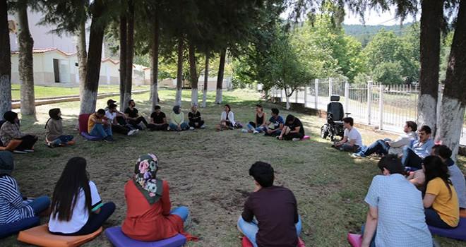 Gençler, sivil toplum kuruluşu temsilcileri ile buluşuyor