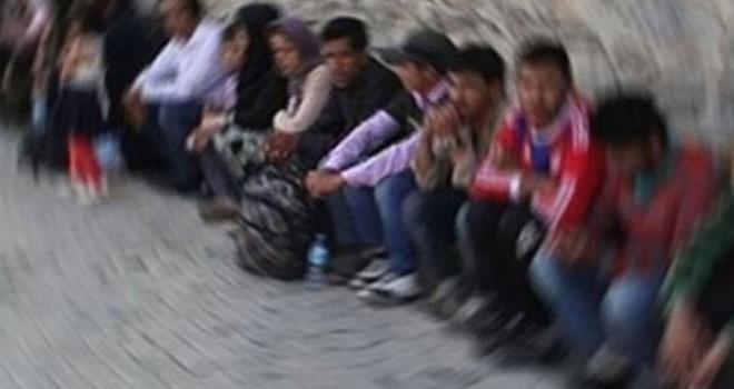 Farklı ülkelerden kaçak gelen 65 düzensiz göçmen yakalandı