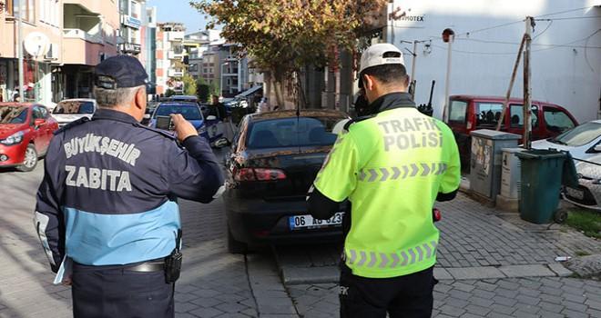 Birkaç saat içinde yüzlerce araca 14 bin lira ceza