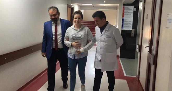 Ameliyat edilen kadının karnından 3,7 kilogramlık kitle çıktı