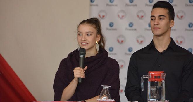 Madalyalı milli cimnastikçiler öğrencilerle buluştu