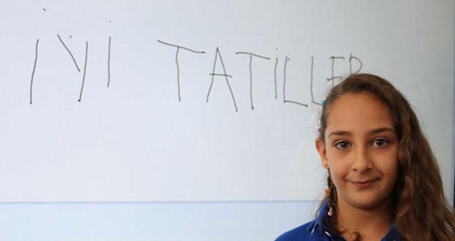Denizli'de 190 bin öğrenci karne heyecanı yaşadı