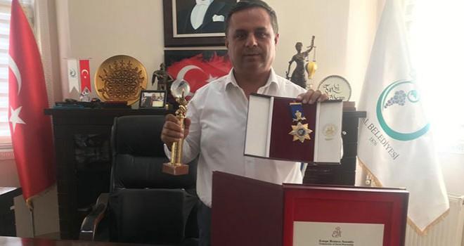 Avrupa'dan ödül alan Çal Belediye Başkanı Akcan: Bu ödül, Çal'ın geleceğine verildi